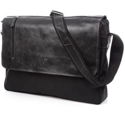 duża czarna torba męska na ramię ze skórzaną klapką A4 SERGEJ